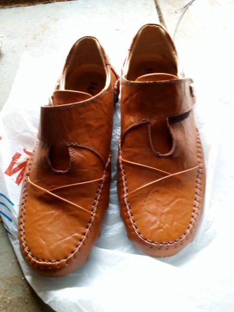 Продаю новые мужские кожаные слипоны размер 44