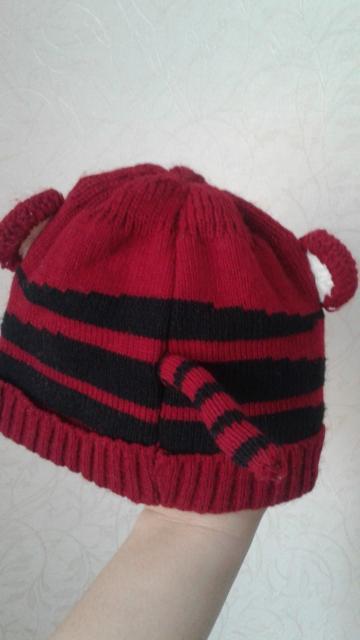Продаю детскую вязаную шапочку. Новая. Не успели поносить. Размер 46.