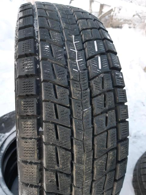 215/70/15 Dunlop WinterMaxx SJ8 2013 год. Контрактная резина без пробега по РФ. Комплект резины без грыж и трещин. Износ 10%. 89644205929