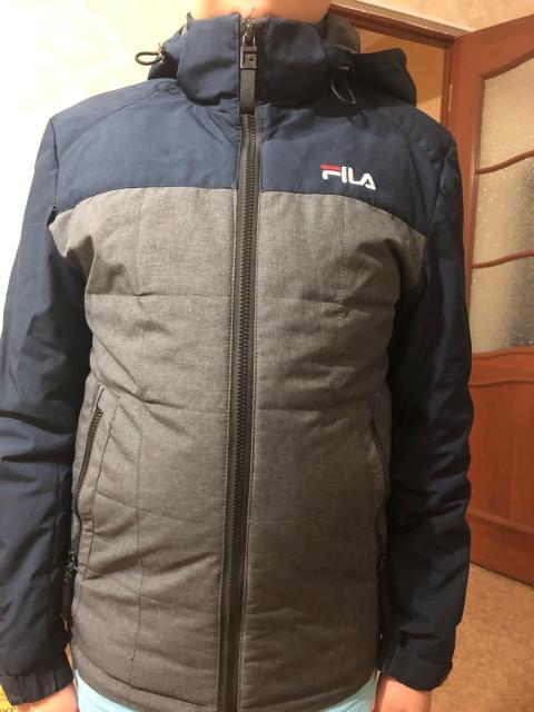 Продам куртку деми на ростовку 130-150 Капюшон отстегивается В подарок шапка