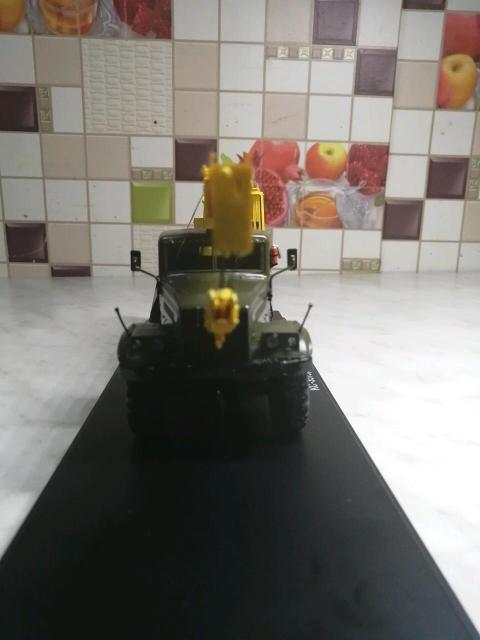 Краз 255б автокран маштаб 1:43 детализированая модель. Кабина, рама железные рабочая установка. В защитном боксе