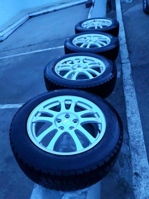 Продаю комплект колес в отличном состоянии 225/60/R18 резина жирная MAXXIS 2018 г.