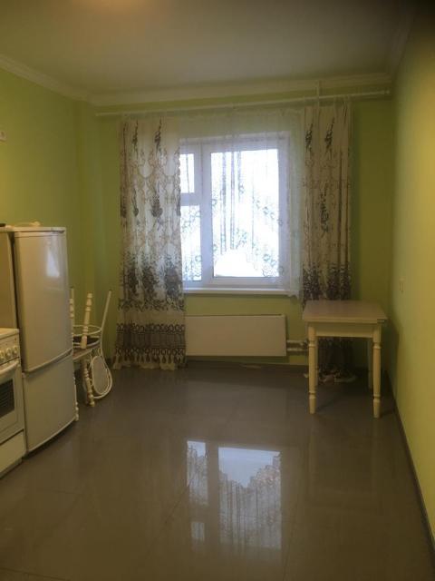 продается 1 комнатная квартира по ул. Лермонтова, 102 .после ремонта. дом 2016 г. 10 этаж, общая площадь 38,6 кв.м. Без долгов и обременений. Собственник. Цена 3,8 млн.р.
