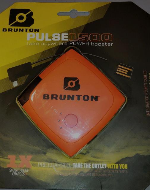 Продаю Портативный зарядник для телефона1500 mah, цена 400рб.