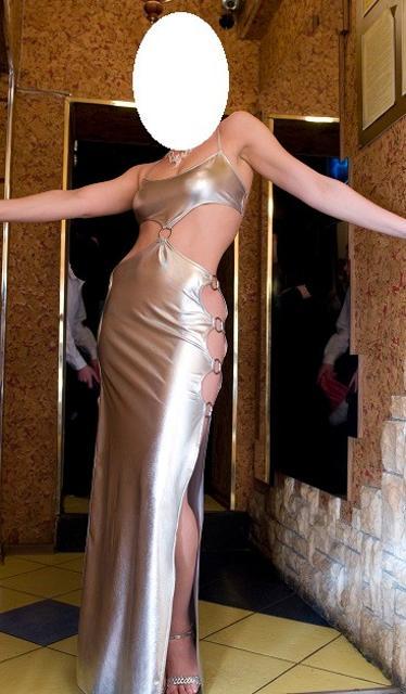 Стрейчевое клубное платье Одевалось один раз на мероприятие Состояние идеальное Размер 42. 1000р 8 914 22 40004