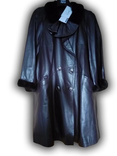 женское кожаное пальто,утепленнное,с норкой,рукав 9/8,кожа мягкая, цвет сливовый, куплено в мех.салоне,разм.48, не ношено,торг,ватсап
