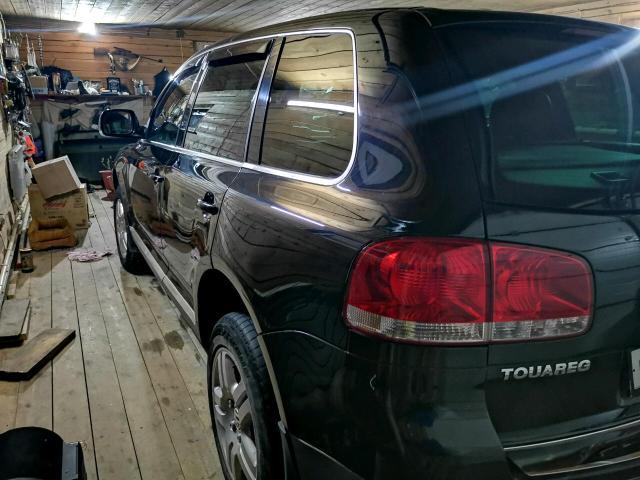 Продаю или варианты обмена с вашей доплатой или на два авто. Volkswagen Touareg!! НЕ ПНЕВМО!! Контрактные стойки в круг! V-4.2 кпп автомат, 4ВД+блокировки, в Черном цвете😮, кожаный салон электро, подогревы и многое другое. В хорошем состоянии для своих лет.  За наличку хороший торг капота.