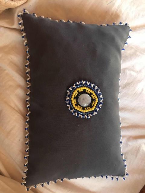 Подушка сувенирная (ручная работа, бисер)