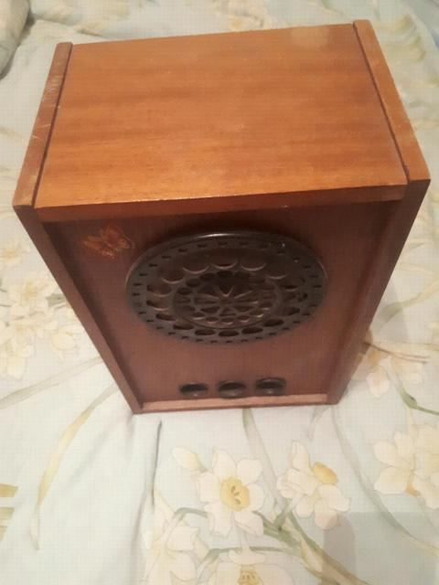 Аудио- калонки б/у две шт. В деревянном корпусе.