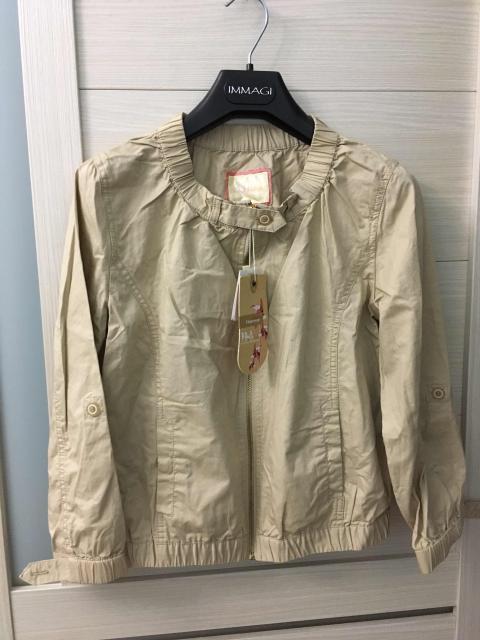 Новая легкая куртка. Размер 42.