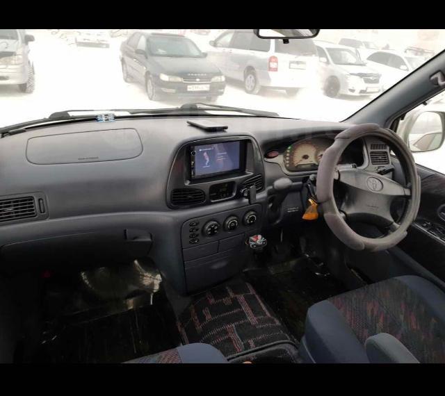 Продаю ТОЙОТА НОАХ 1999гв road tourer 2WD, 2 литра, 1 хозяин с 2008года, полная пошлина, без пробега по РС(Я), 2 комплекта колес на литье зима лето, 2дин магнитола на андроиде камера з/х, датчик давления шин, машина в отс, разумный торг у капота, либо варианты обмена в любую сторону. Машина в таком состоянии редкость, не упускайте возможность!