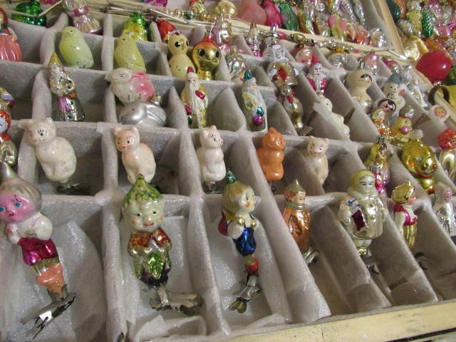 Куплю оптом для коллекции ёлочные игрушки СССР. Желательно с прищепками. Можно и с облупленной краской или мелким сколом.