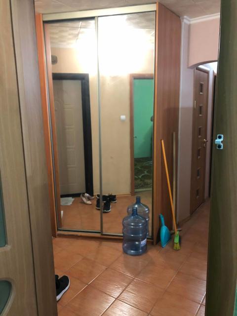 🔰 202 м-р к.12 🔰3 комнатная квартира  🔰65кв 🔰Свежий хороший ремонт 🔰4 этаж из 5 Арендная плата 27000+свет+вода. Мебель частично остаётся, обсуждение в индивидуальном порядке. ❗️Звонить на номер 89248746733 в любое время ❗️Заезд ориентировочно с 15-17 июля.