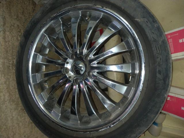Продам разноширокие хром диски с шиной на докатку.  Hyperion, made in Japan. 5х114.3 R19 8.5J +35 R19 9,5J +40 235/50/19 255/45/19 Pirelli Цена соответствует состоянию. Диски не гнутые, не вареные.