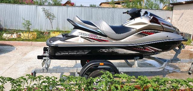 Продаю гидроцикл Kawasaki Ultra 300 LX 2013г.в. куплен новым у официального дилера в салоне техники Jet,  пробег 21 час. Состояние идеальное. В комплекте телега МЗСА. Обмен не интересует. Без торга.
