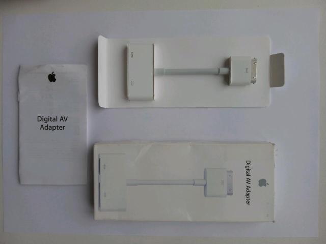 Оригинальный Apple Digital AV Adapter MD098ZM/A для iPad, iPad 2, iPad 3 , iPhone 4 , iPhone 4s. Переходник для просмотра (дублирования) на экране телевизора изображения на экране телефона. Также на гнезде есть дополнительный разъём под зарядный кабель iPad, iPad 2, iPad 3, iPhone 4.