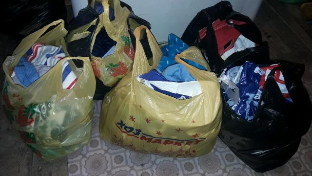 Вещи 5 пакетов,в хорошем состояни,много на выход есть,ДЛЯ МАЛЬЧИКА(шапки,боди,футболки,штаны,шорты,обувь,кепки)  От 0 и до 1,5