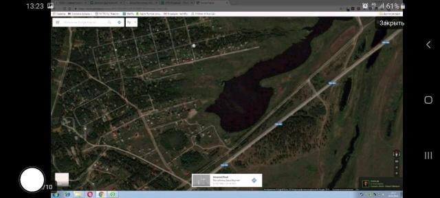 """Продам земельный участок. В собственности. Покровский тракт 15 км., поворот """"Радуга"""", СОТ """"Шестаковка"""", 2-я линия, рядом имеется озеро. Красная линия не проходит, ограничений нет. Березовая роща. Земля ровная, сухая, не тонет, на территории строений нет. Рядом соседи, живут круглогодично. По участку проходит водопровод, стоят столбы эл. передач, газ в перспективе. Дата постановки на учет: 28.12.2011г.  Реальному покупателю торг.  Звонить на номер 89681516236 Дмитрий, 89141068664 Константин."""