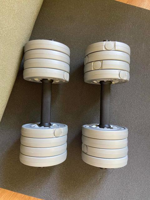 Гантели для фитнеса, новые, можно менять веса, в полном сборе каждая весит 4.7 кг.