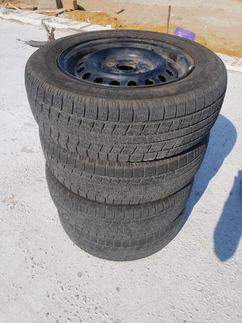 Продаю комплект колес 165/70 R13 Всесезонные. Состояние хорошее без грыж и порезов. Есть колпачки.