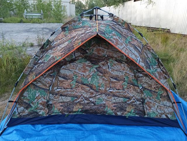 Новые  палатки с автоматическим механизмом размер 200*200*145 цвет хаки, с отстегивающимся двойным верхом, два входа с антимоскитными сетками.