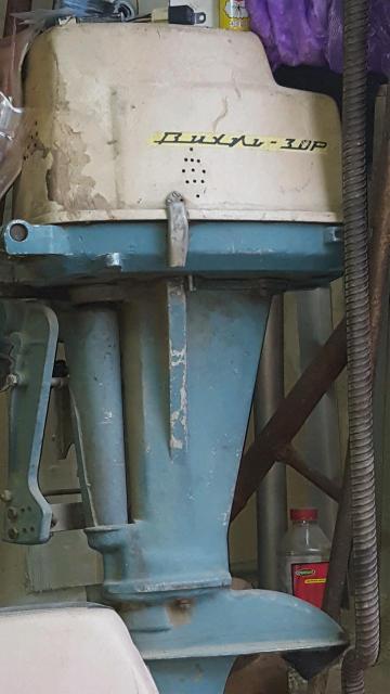 Продаю лодочный мотор вихрь 30  в рабочем состояние, к нему в подарок вихарь 25