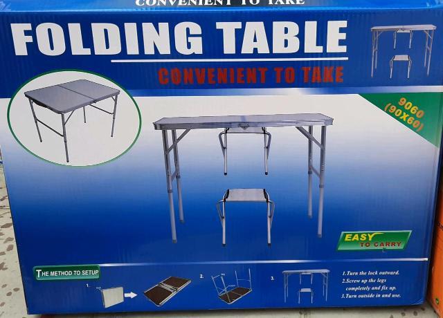Продаю походный стол размер 90*60*70 два стульчика. Пишите или звоните