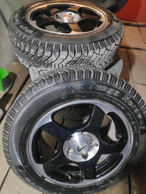 Продам комплект колес, жирная резина на хороших дисках. Разболтовка 5*114.3, маркообраз, камри, виста.