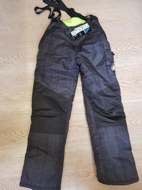 Новые очень теплые зимние брюки на рост 158-164 (примерно 42 размер), на мальчика.