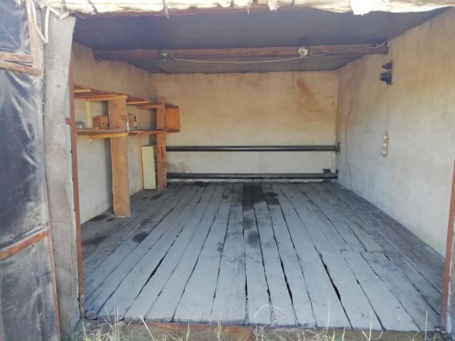 """Продаю теплый охраняемый гараж в районе автомойки """"Мойдодыр"""", 280 тыс. руб., возможен торг"""