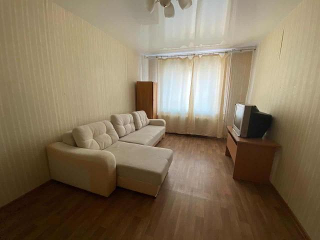Сдаю ухоженную, уютную 2х комнатную квартиру в районе 103 квартала.