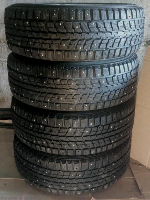 Продам  комплект зимних шипованных шин с дисками(4 шт.)(остаток шипов 70%-90%),размер 195/65 R15  95 Т    Dunlop  Япония.   тел.89142705099 или ватсап