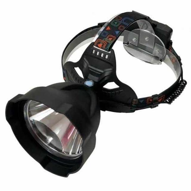 Фонарь налобный SWAT NK-H604 Представляем вашему вниманию новинку в сфере освещения на рыбалке и охоте. Мощный и дальнобойный фонарь SWAT NK-H604 с большим диаметром отражателя. Дальность освещения составляет свыше 500 метров. Луч сфокусирован и имеет небольшую боковую засветку, очень удобно освещать дальние предметы не засвечивая рядом стоящих людей. Питание фонаря осуществляется от трех аккумуляторов 18650, зарядка осуществляется от сетевого или автомобильного зарядного устройства. В наличии имеется тёплый и холодный цвет. (Жёлтый и белый )   Характеристики фонаря  Диаметр отражателя90 мм СветодиодXM-L T6  Мощность 520 люмен Дальность освещения- свыше 500 метров Элемент питания Аккумулятор 18650 - 3 шт. Заявки отправляйте на Ватсап