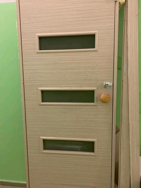 Дверь ванной б/у, вежевого света