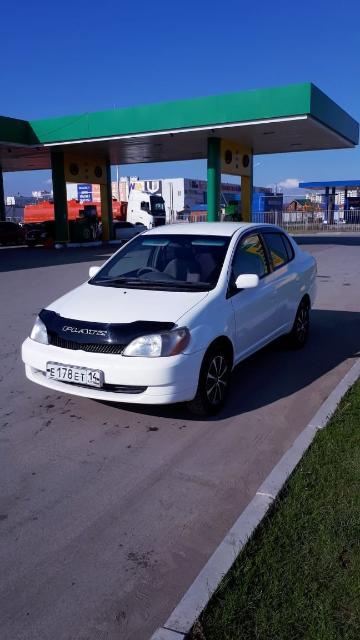 Продаю Тойота Платс 2001 гв. Передний привод. Двигатель 1 nz, V - 1.5. Хорошее состояние всего автомобиля. Чистый салон. Кондиционер работает, печка жарит. Небольшой торг.