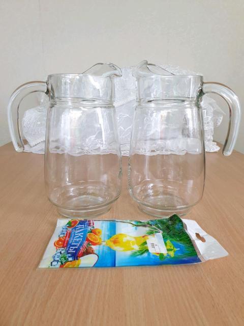 2 кувшина для воды, в отличном состоянии, без крышек, объем 2.5 литра. В подарок пакетики для льда 550 за 2 кувшина