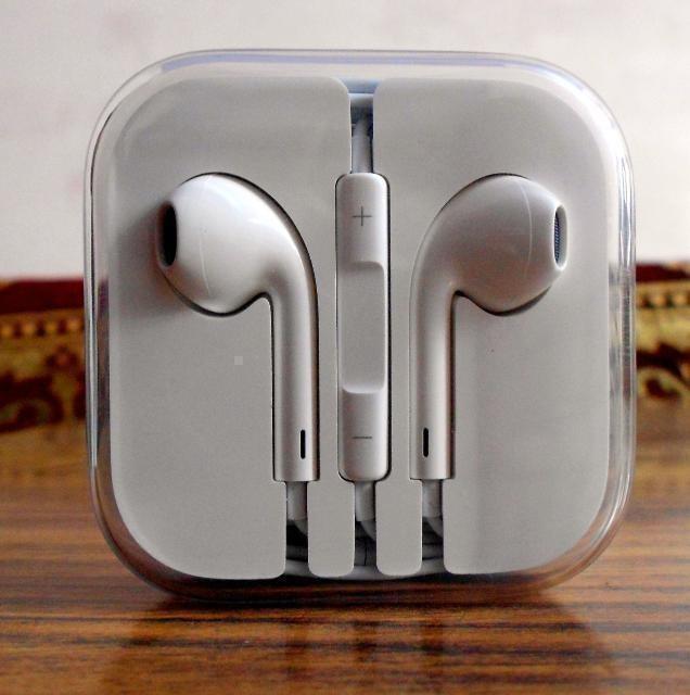 Наушники EarPods (хорошая копия) на iphone 6