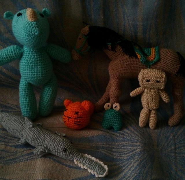 Распродаю игрушки ручной работы (новые) недорого. Носорог, лошадь, кот, робот, лягушка, рыба пила . Цена за каждую. Высоты от 5 до 17 см. Ватсапп, смс