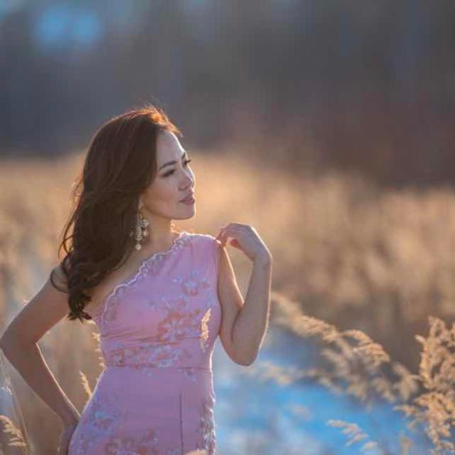 Поющая-ведущая!🌞🌷 Свадьбы👩❤️👨 Юбилеи🎤 Корпоративы💃🏻 Дни рождения🥳 В программе игры, весёлые конкурсы, индивидуальный сценарий, песни на русском, якутском, зарубежном.🎶Артисты (по желанию клиента), Dj и аппаратура🎼 Опыт ведения 10 лет🙌 🎉🎆 Инстаграмм alenaslepsova87 Связь по WA: 89841150163