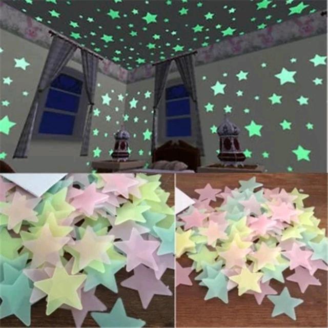 Продаю звезды декор. Светятся в темноте. В упаковке 100 шт. Цена 200 р. В наличии в Якутске, доставка по всему городу. Ватсап 89644173517