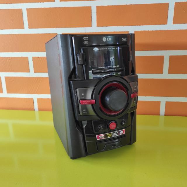 Полная выходная мощность (RMS) 110 Вт Cпособ загрузки/механика лоток на 1 диск Поддерживаемые носители CD, CD-R, CD-RW Интерфейсы USB Type A Поддерживаемые форматы WMA, MP3 Только центр, в комплекте AUX, кабели