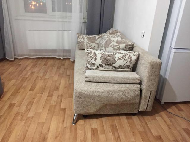 Продам диван б/у с подушками, самовывоз
