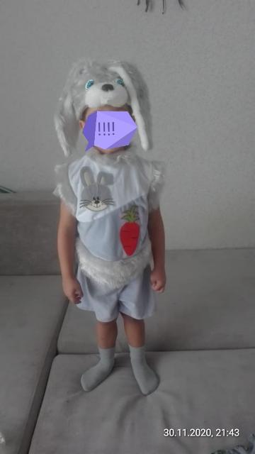 Продаю костюм зайчика на рост 98-110 одевал 1раз