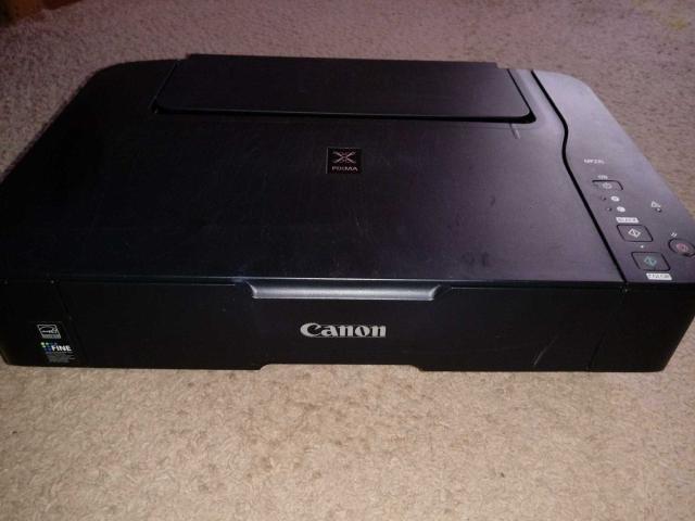 Продается МФУ (принтер-сканер) Canon pixma. Неизвестно работает ли, может на запчасти. Нет проводов. Самовывоз Грэс.  Еще много чего продается😊 кому интересно скинем ссылку Юлы.