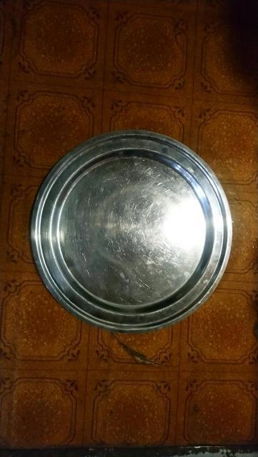 Продам разнос из нержавеющей стали диаметр 35см.