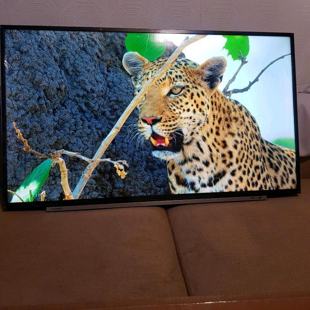 """Телевизор 43"""" Toshiba FullHD SmartTV  Продаю Новый телевизор smart TV на базе андроид последний версии, Full HD — разрешение 1920×1080 точек безупречное качество картинки, тонкие рамки, легко настраиваемая настройка, wi fi подключение, диагональ 43 (110см). в коробке с документами,  🎉"""