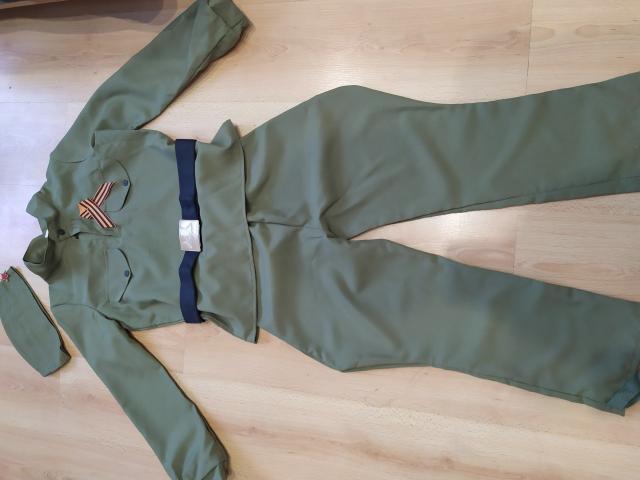 Продаю детский костюм военного санитара  и военного на рост 120-130.