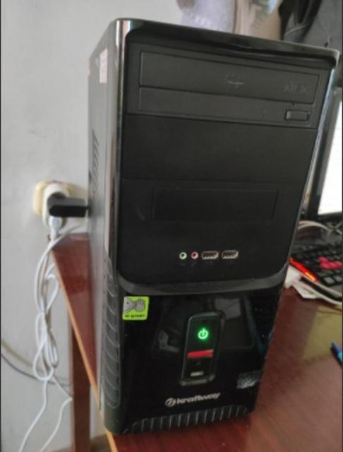 Продам отличный офисный ПК на базе процессора intel core i3 3220 3.2ghz Мат плата 1155 сокет ga h61m s2pv 4gb ddr3 Встроенная интегрированная графика Hard 150 gb Бло питания 400 watt Дисковод Установленная виндовс 10 со всеми драйверами и офисными программами При желании можете вставить видеокарту тогда будет игровым