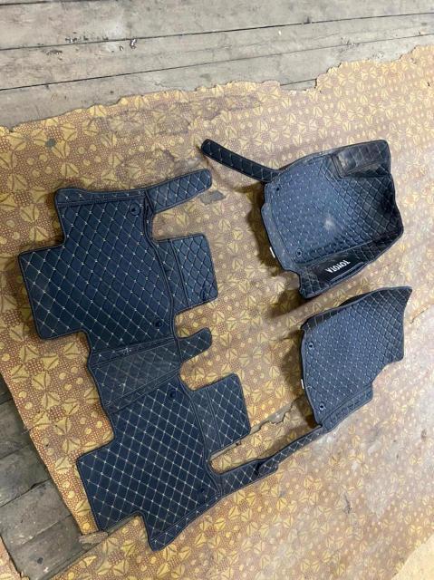 Продаю 3д ковры от Toyota RAV 4 2013