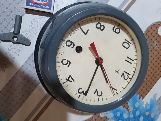 🕰️⏰⏱️Не частые каютные,🛥️корабельные часы 1976 года выпуска💥💥💥 в виде иллюминатора с родным медальеном для крепления на стене.В рабочем состоянии с ключом. 🎁🎈🎀Недельный запас хода в подарок.❗❗❗Украсит любой интерьер и частную экспозицию.Цена 5500 рублей.т.89142850360